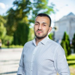 Nariman Ustaiev Headshot