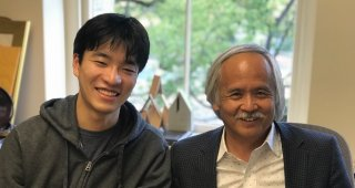 Stanford e-Japan alum Daisuke Masuda and SPICE Director Gary Mukai