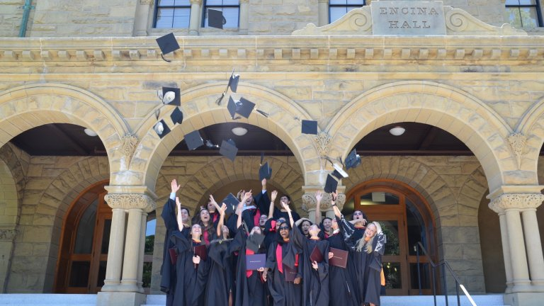 Studenst-graduation-FSI