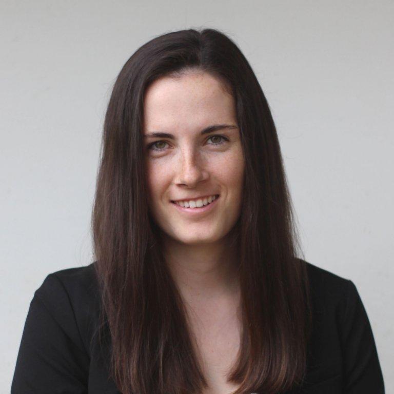 Emma Dolan Headshot