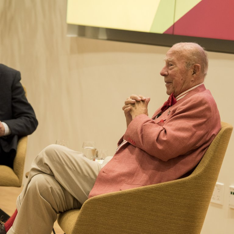 Philip Taubman and George Schultz in conversation. Credit: Steve Castillo/Courtesy Stanford Knight-Hennessy Scholars program