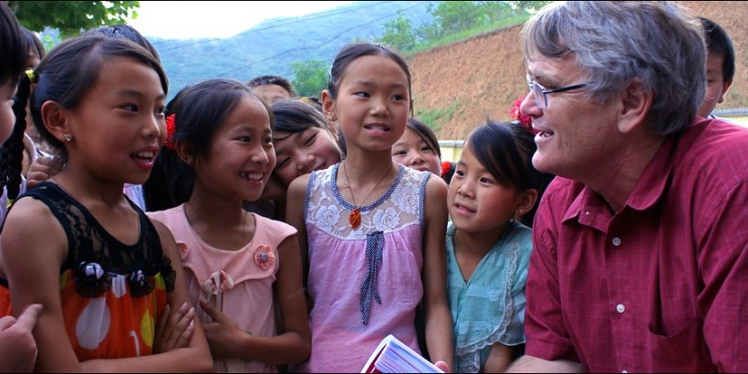 Scott with Chinese kids