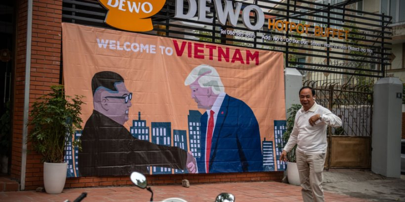 Banner welcoming Kim and Trump to Vietnam