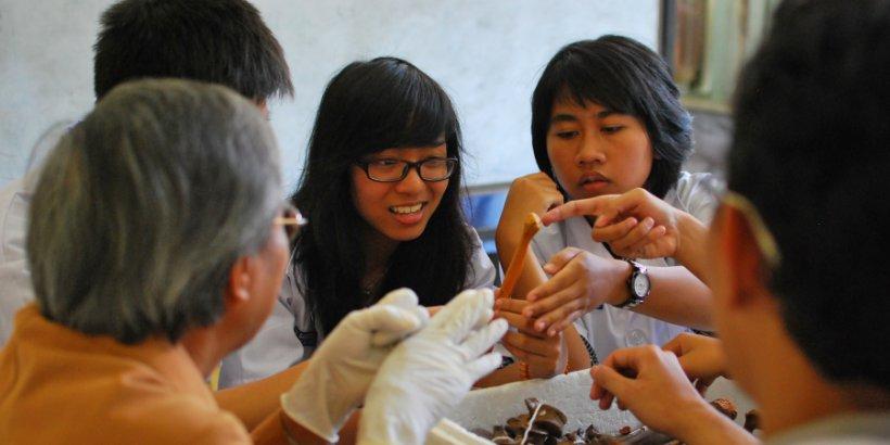 medical students training flickr world bank