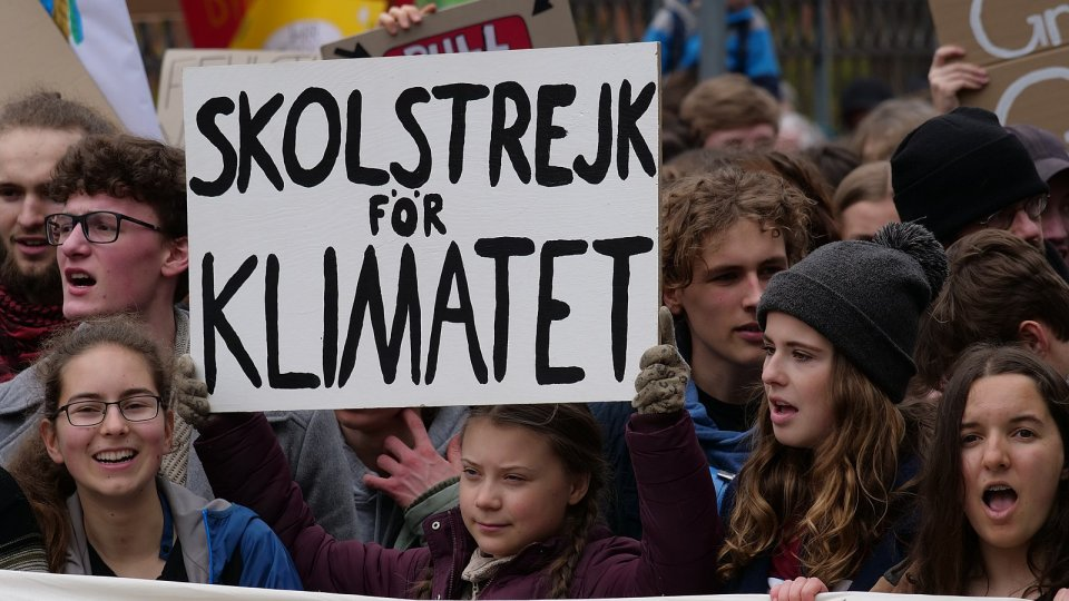 1600px greta thunberg at the front banner of the fridaysforfuture demonstration berlin 29 03 2019 09