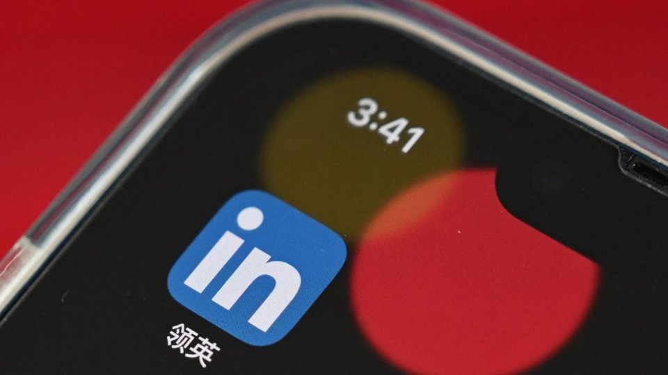 image of iphone showing linkedin icon