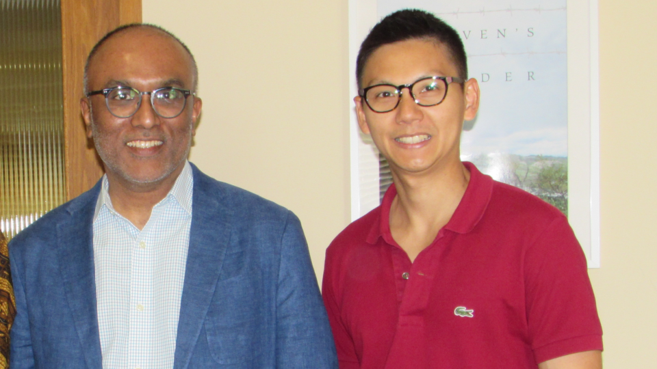 Cherian George (left) and 2017-18 LKC Fellow Chin-hao Huang posing to the camera