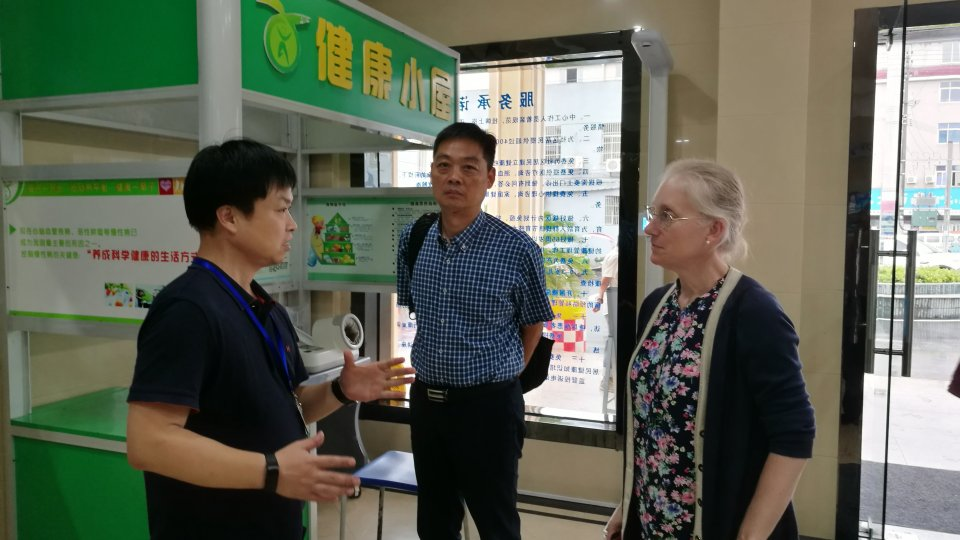 Karen Eggleston speaking to staff at Zhejiang Provincial CDC, China