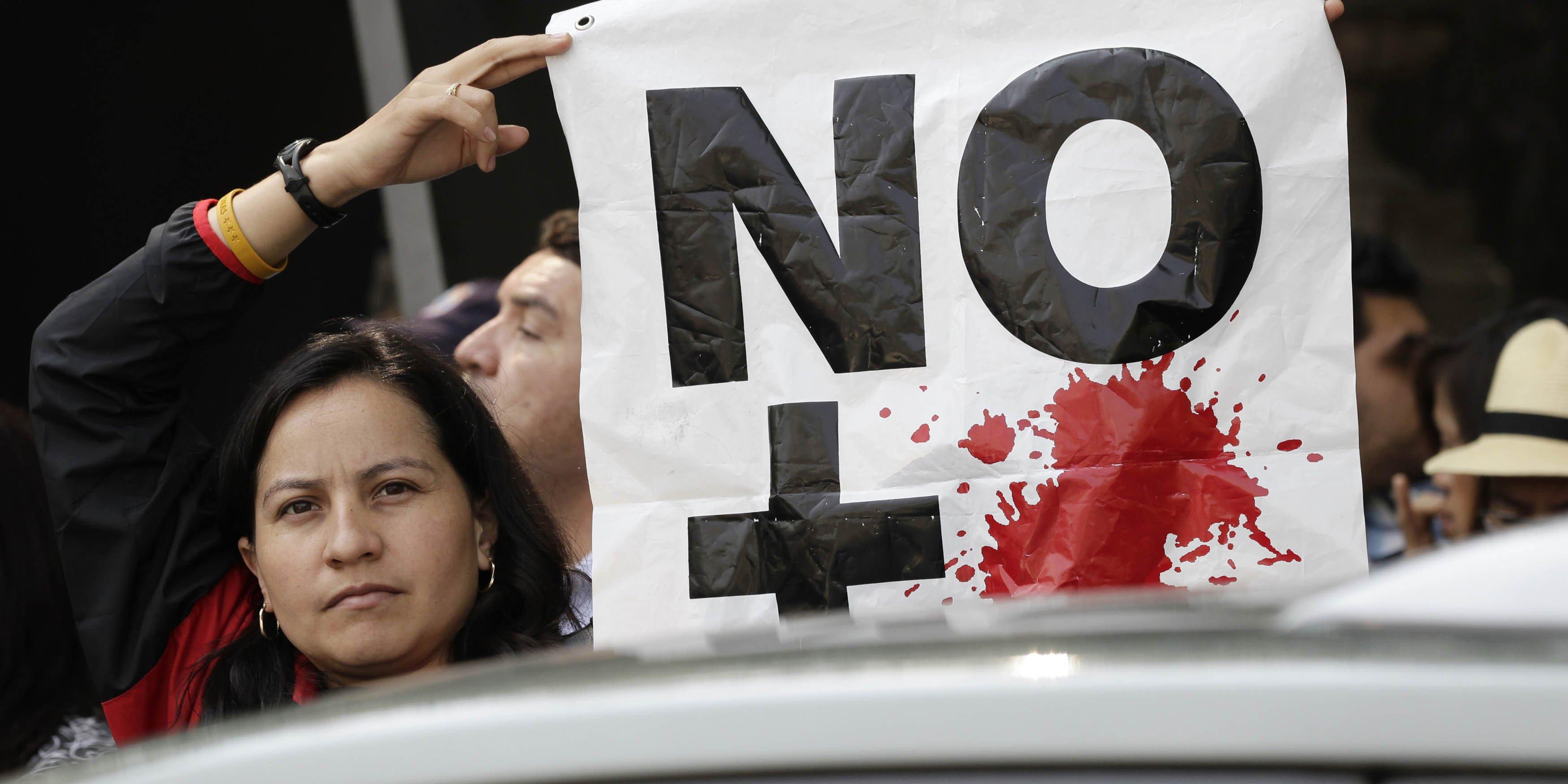 Mexico protest2x1