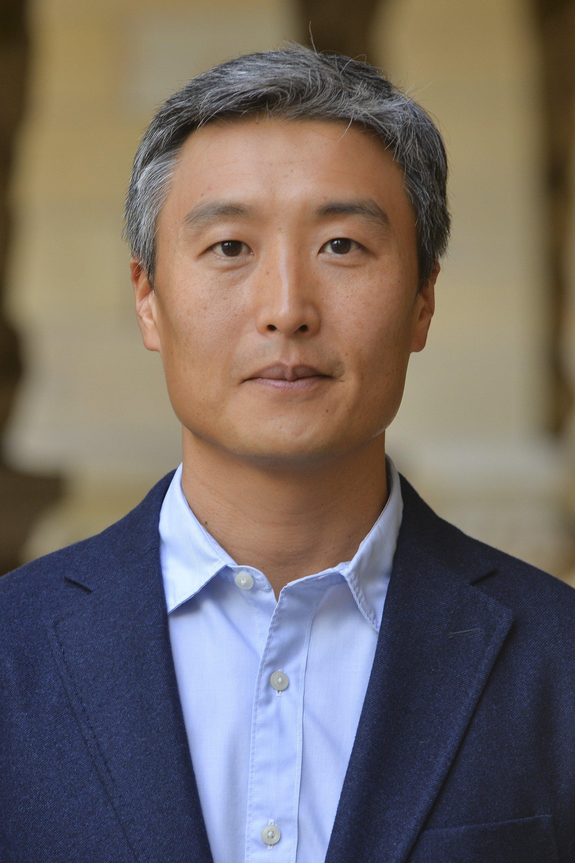 Portrait ot Yong Suk Lee