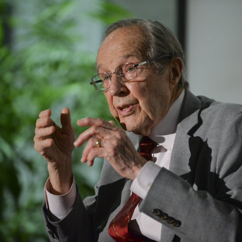 "William J. Perry delivers the Drell Lecture in an address entitled ""A National Security Walk Around the World."""
