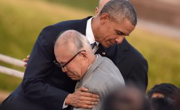 Obama embraces Hiroshima survivor