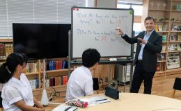 Jonas Edman with e-Tottori students