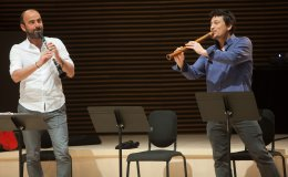 Kinan Azmeh and Kojiro Umezaki, The Silk Road Ensemble. © Joel Simon