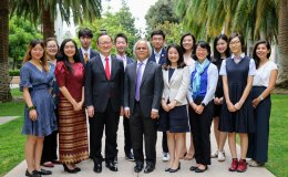 High school student honorees with Japanese Consul General at Stanford Japan Day