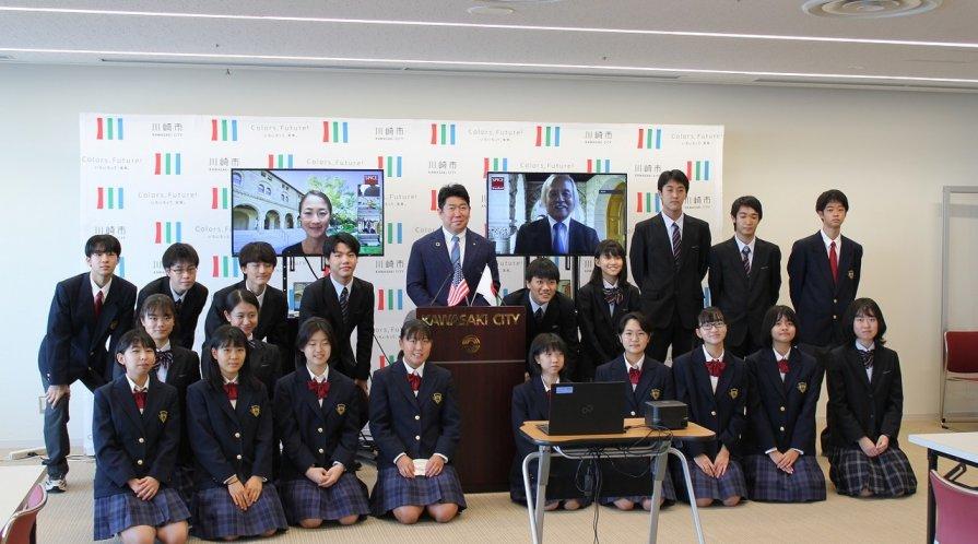 Stanford e-Kawasaki students and instructors