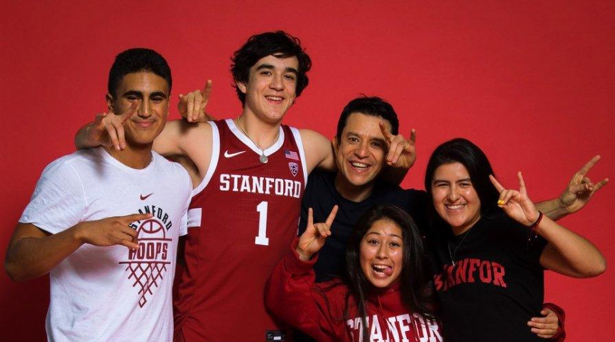 Isa Silva and his family