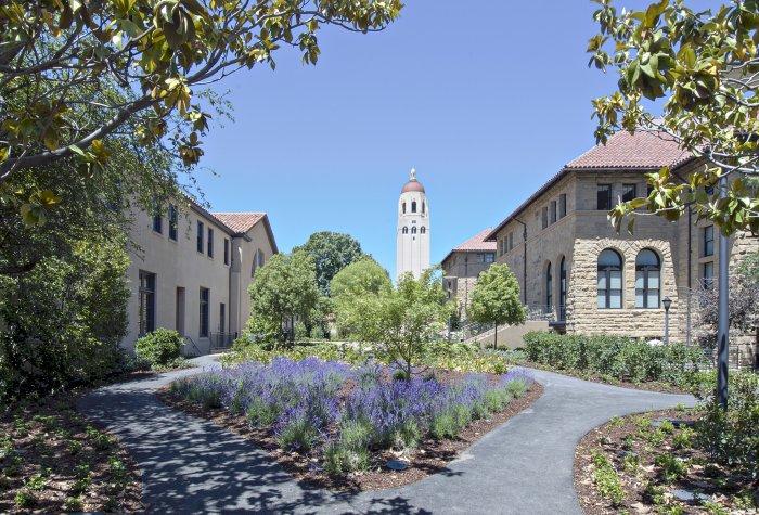 Encina Courtyard