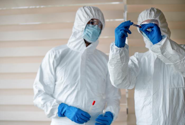 Researchers examine medical vials