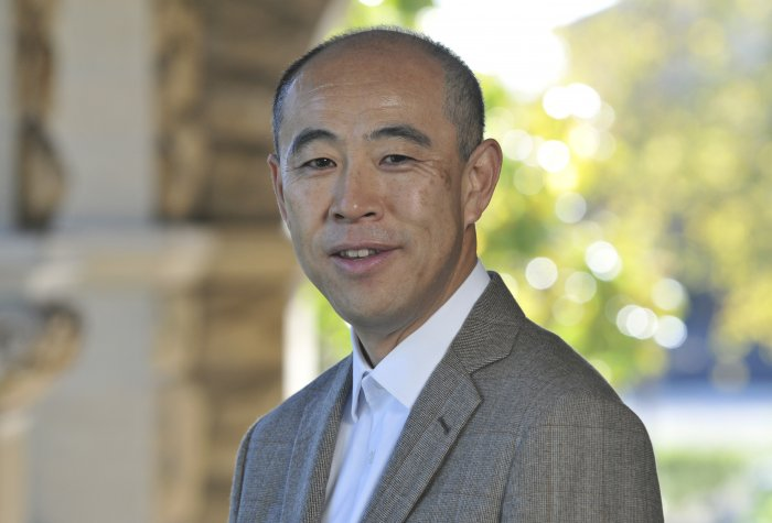 Headshot of Takeo Hoshi