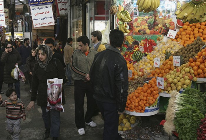 Iranians shop in a market in Tehran, Iran, in February 2007. Photo: Majid Saeedi - Getty Images