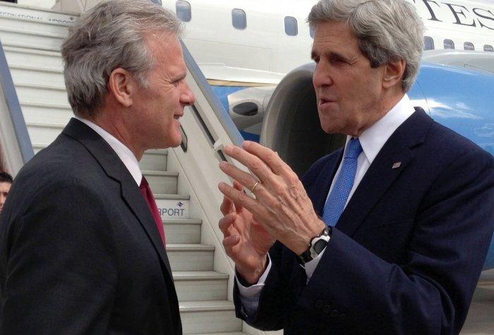 Secretary Kerry Bids Farewell to Israeli Ambassador Oren logo