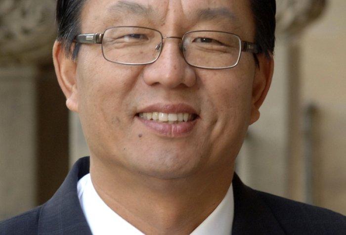 Gi Wook Shin formal Web