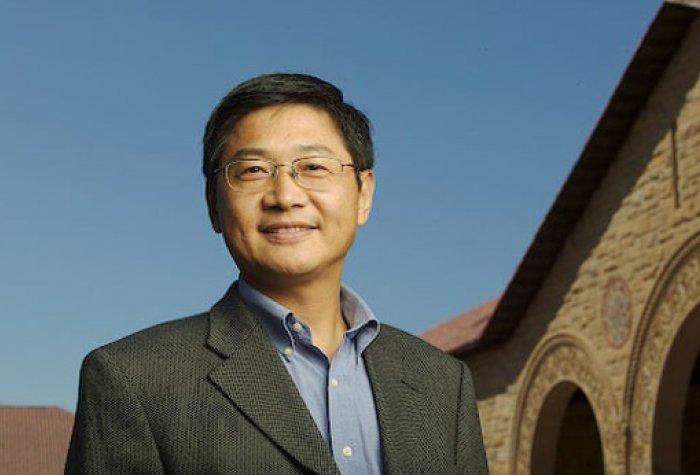 Headshot for Xueguang Zhou