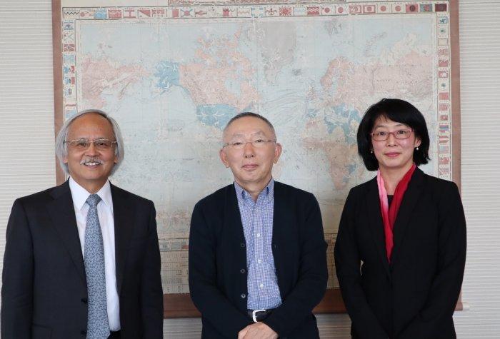Yanai Tadashi Foundation President Tadashi Yanai with SPICE Director Gary Mukai and Stanford e-Japan instructor Waka Brown