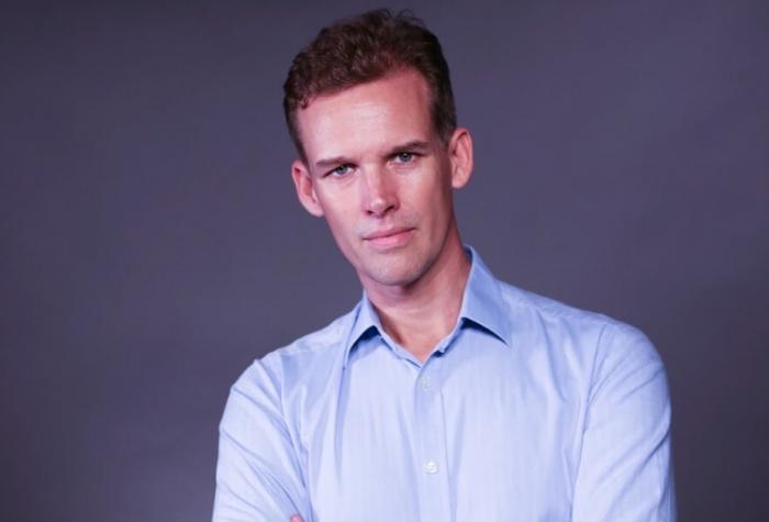 Portrait of Tom Wright