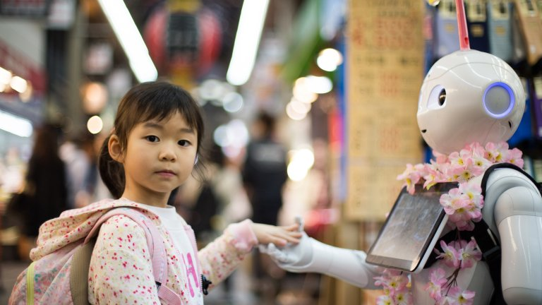 Girl and Robot at the Kuromon Market in Osaka