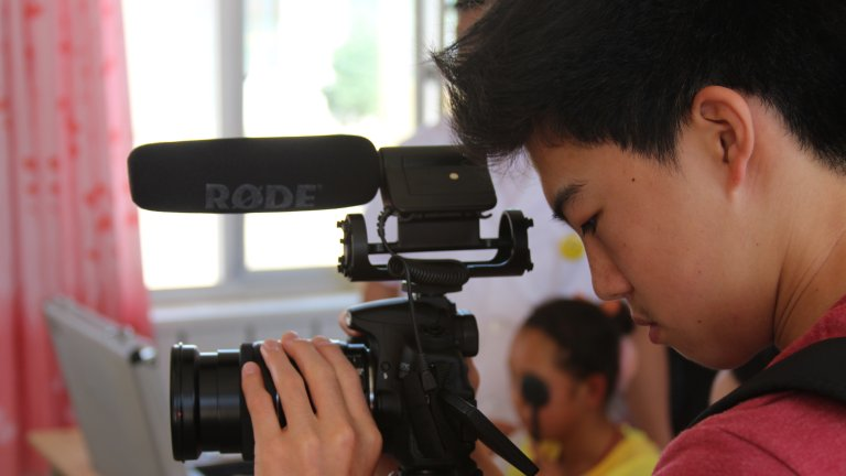 kris w video camera2013 5