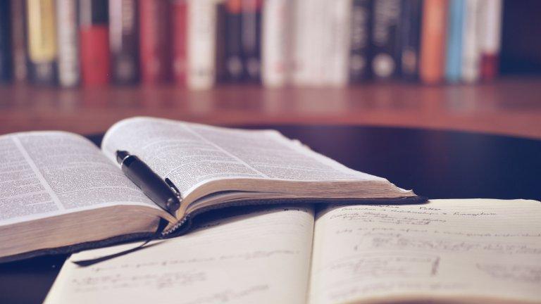 Books_Open_Bookshelves