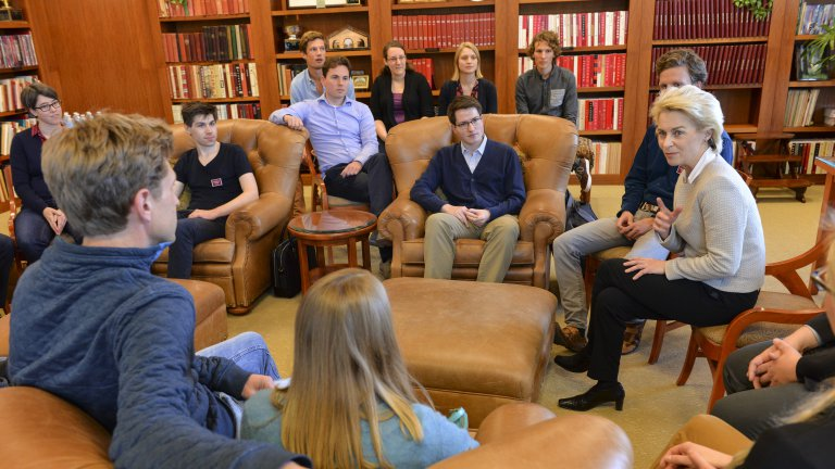 Ursula von der Leyen, Germany Defense Minister, meeting with undergraduates.