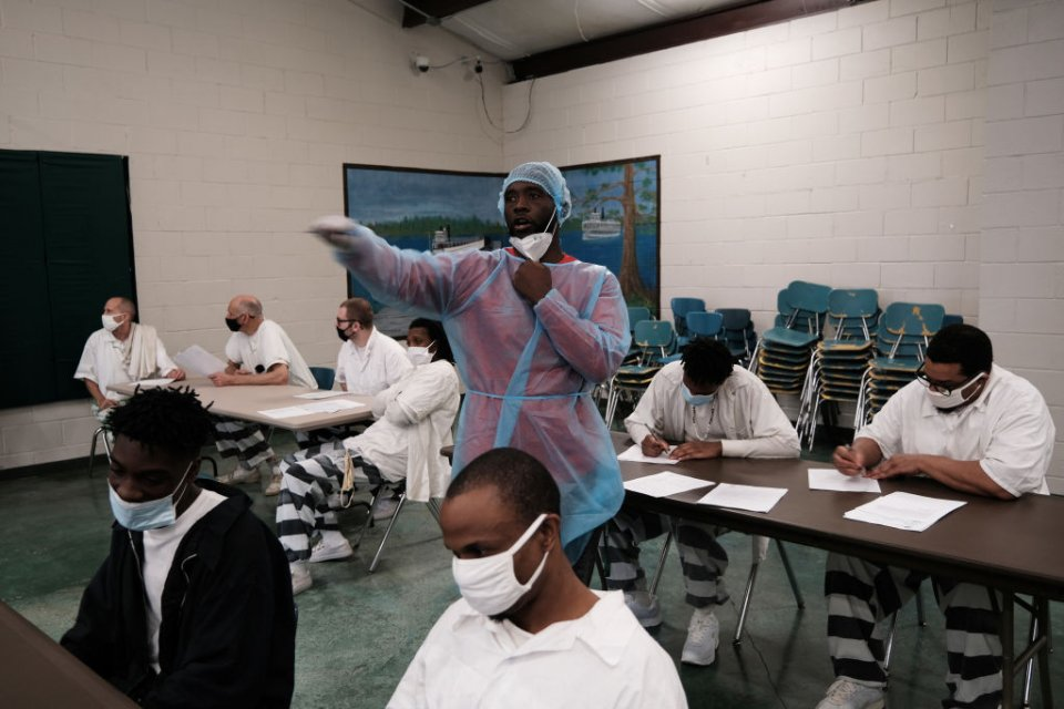 Prisoners get COVID-19 vaccine