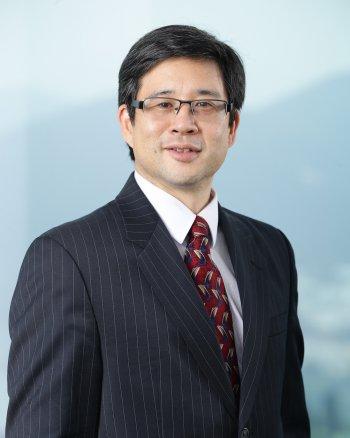 Headshot of Dr. Albert Park.
